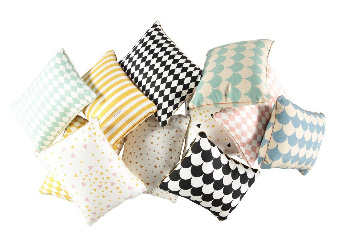 cushion-coussin-cojin-apollo-all-nobodinoz-3