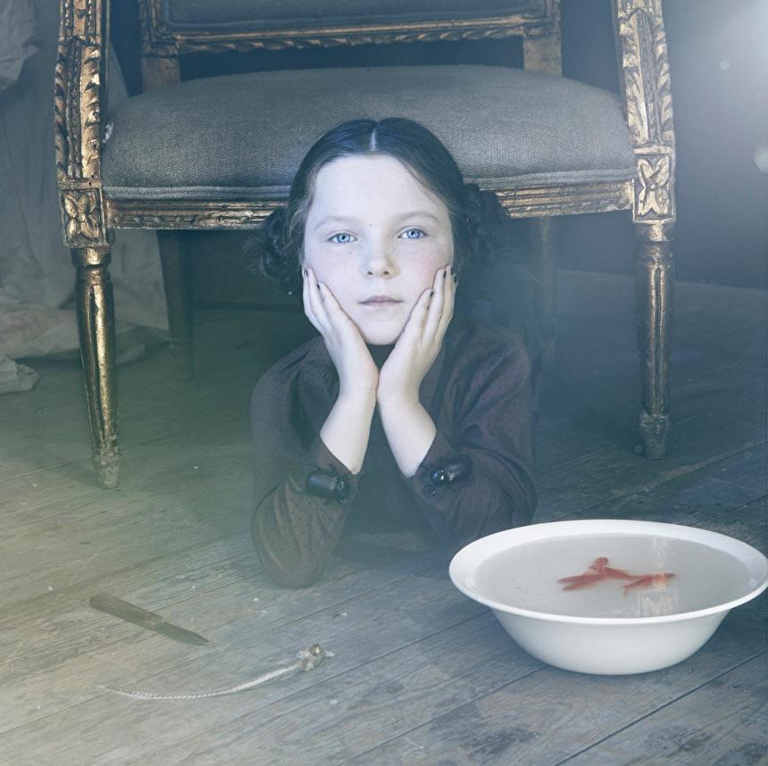 ladnebebe_Sandra-Freij-Halloween-Milk-Magazine-2
